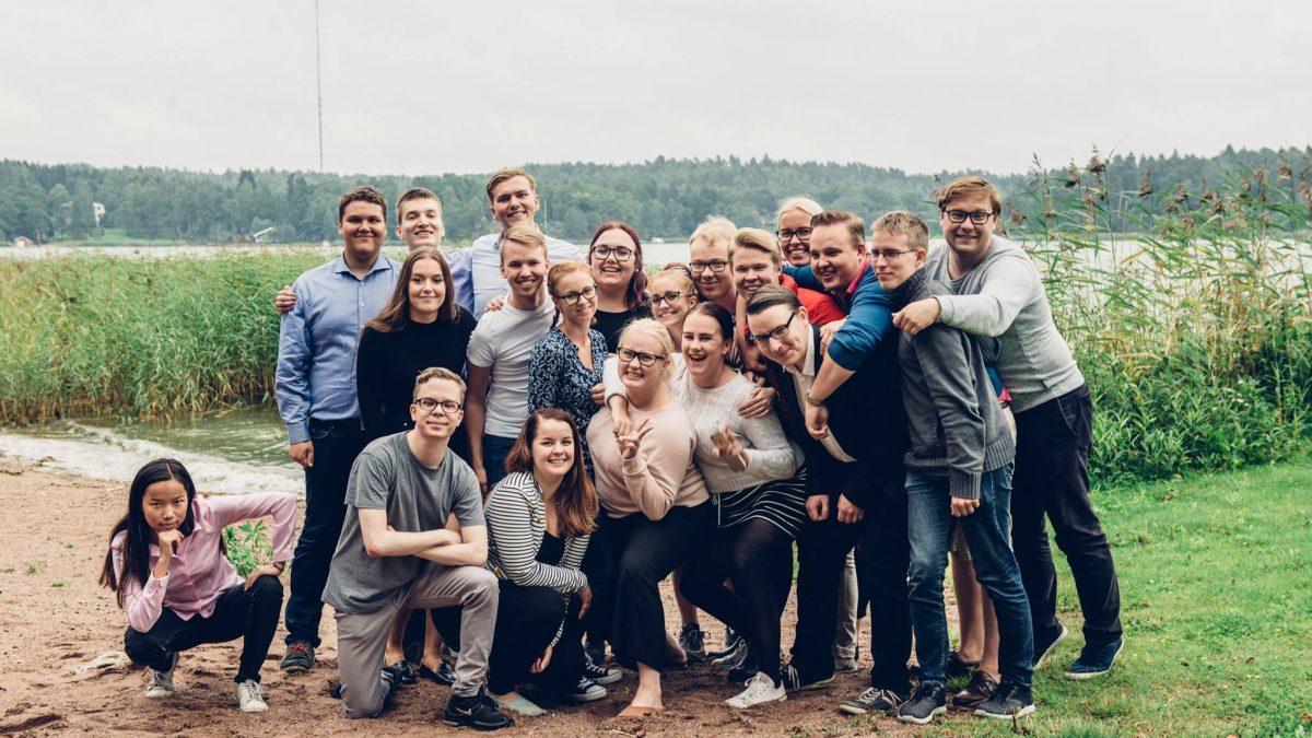 Haku Kokoomusnuorten poliittisten verkostojen jäseneksi auki