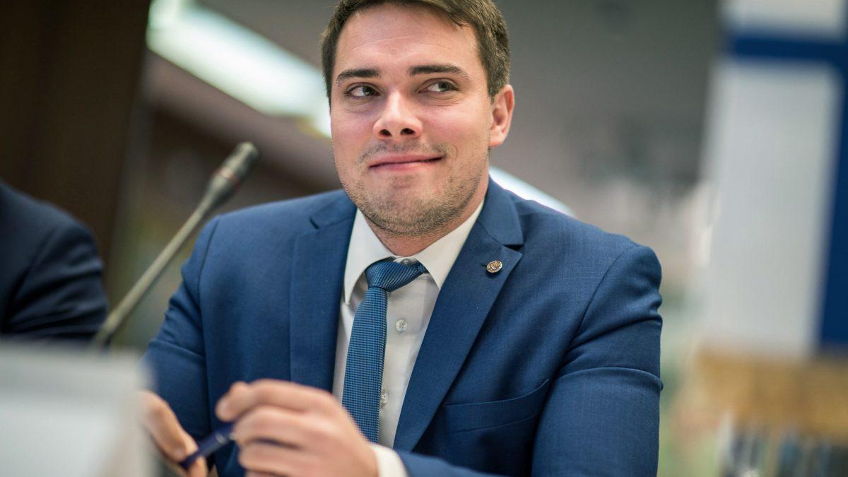 Uudenmaan Kokoomusnuoret esittää Eero Haapalehtoa Kokoomuksen Nuorten Liiton varapuheenjohtajaksi.