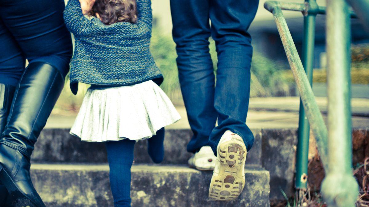 Kokoomusnuoret: Kotihoidontuki on vääränlainen kannustin yhteiskunnalta
