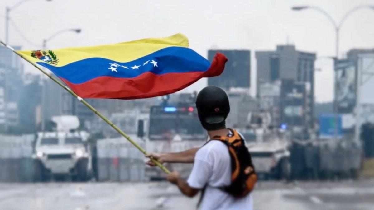 Juan Guaidó on Venezuelan laillinen presidentti