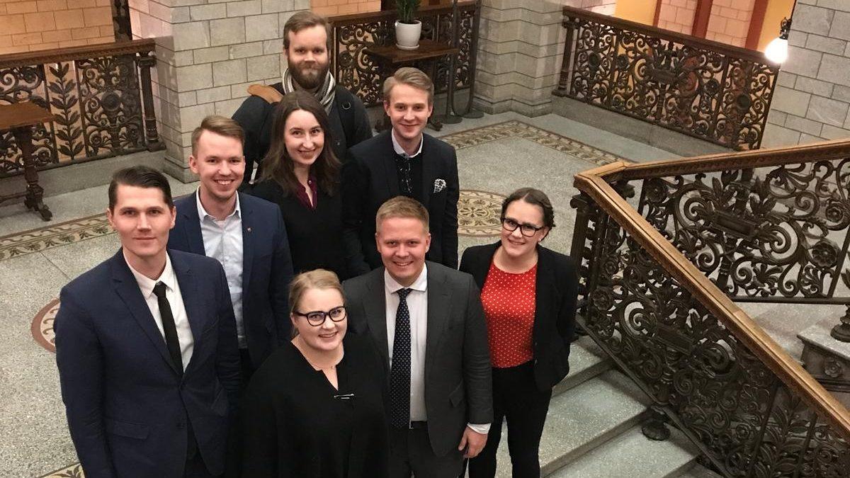 Nuorten hallitusneuvottelut päättyivät – lopputuloksena SDP:n, Kokoomuksen ja RKP:n vähemmistöhallitus