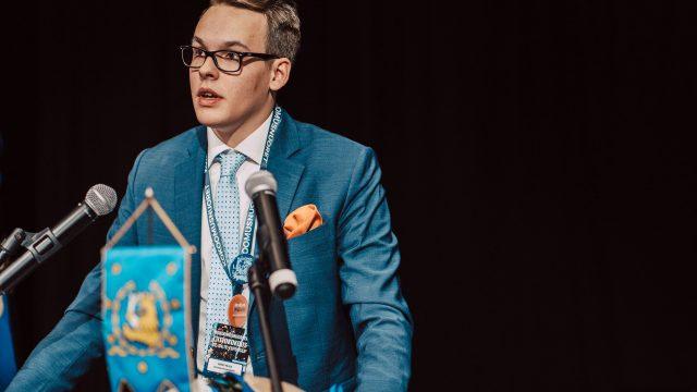 """Kokoomusnuorten Pajula: Pääministerin on erottava – """"Uhrasi naisministerin säilyttääkseen asemansa"""""""