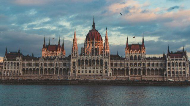 Pohjoismaiden kokoomusnuoret: Fidesz erotettava EPP:stä