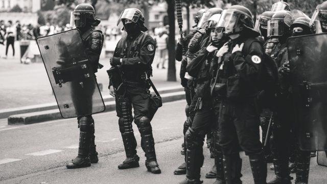 Islamismi nakertaa eurooppaa – Macron taistelee vastaan